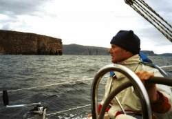 Sailing along the island Hoy at the Orkney Islands
